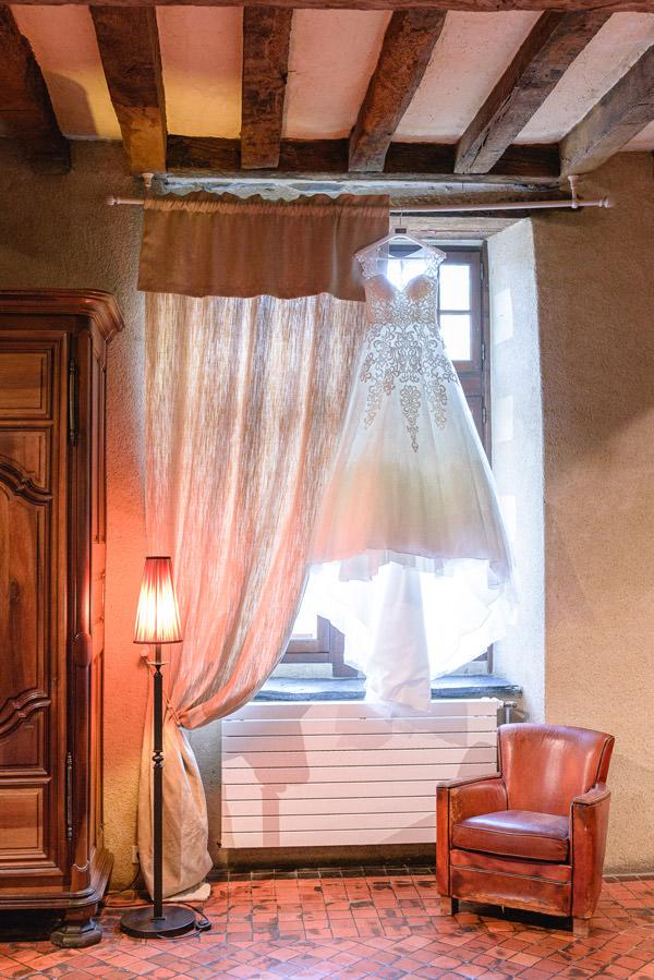 fief de la thioire robe mariée